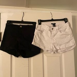 White and black h&m shorts stretchy and denim